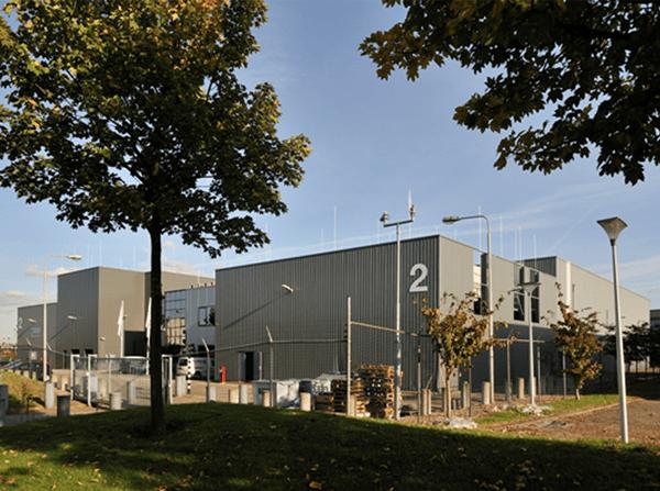 Maincubes modernisiert ihr Amsterdamer Rechenzentrum im laufenden Betrieb