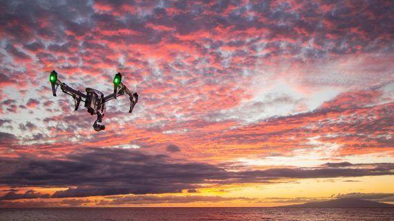 Telekom präsentiert Magenta-Drohnenschutzschild