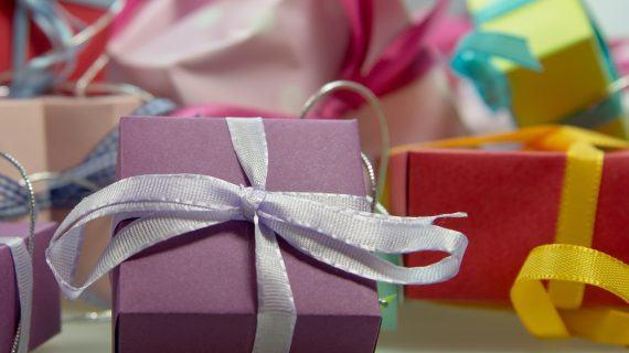 Jeder Dritte will Weihnachtsgeschenke im Web weiterverkaufen