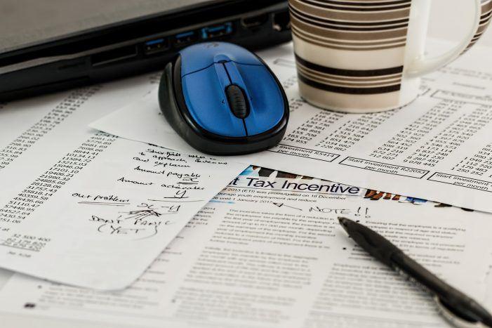 Ineffizienter Papierkram lähmt Fachkräfte