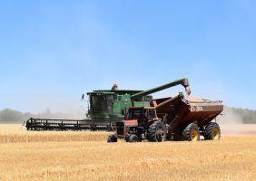 combine-harvester-1907864_1920