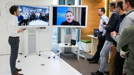 Collaboration-Space mit integrierten Video- und Audiokonferenzfunktionen