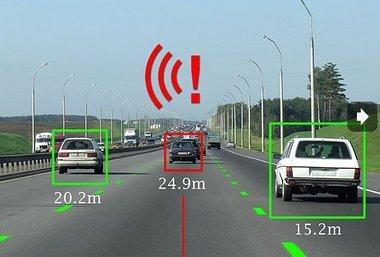 Fahrer in autonomen Fahrzeugen reagieren am besten auf akustische Signale