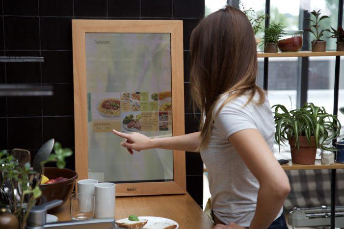 Digitaler Spiegel als Steuerzentrale im Smart-Home