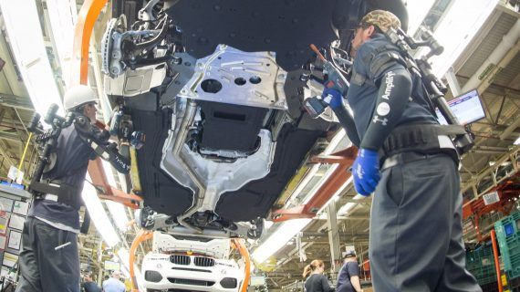 Die BMW Group setzt auf innovative Automatisierung und flexible Assistenzsysteme in der Produktion