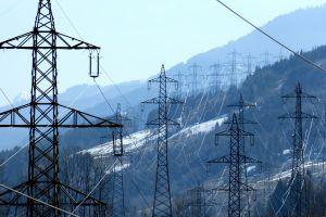 power-poles-287345_1920