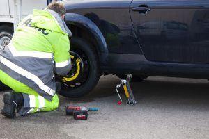 flat-tire-76563_1920