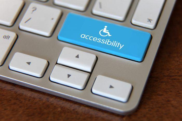 Omnichannel-Arbeitsplatz für Sehbehinderte