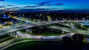 Smarte Technologien für saubere smarte Städte