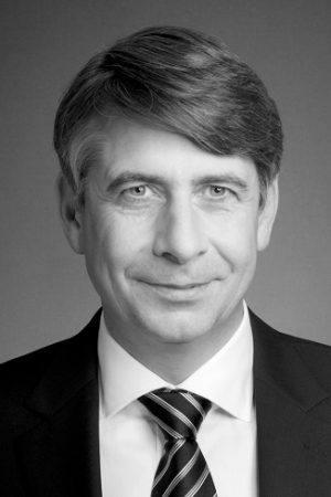 Dr. Philip Huisgen, General Manager bei Datakom