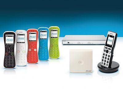 Comfortel IP-DECT-Telefone von Auerswald mit Server, Repeater und Basisstation. (Bildquelle: Auerswald GmbH)