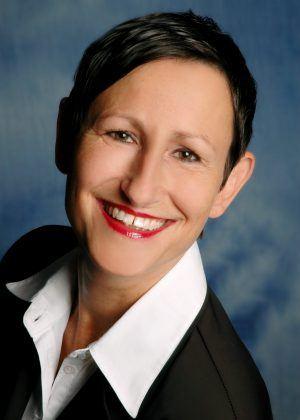 Karin Hernik, Regional Channel & SMB Team Manager von Schneider Electric
