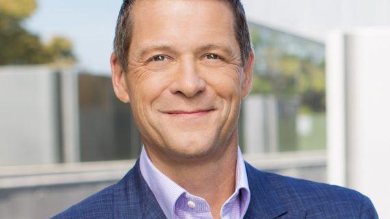 Equinix ernennt Charles Meyers zum President  und CEO