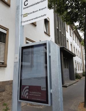 Christiansen-E-Paper-SWB-Bushaltestelle-Bonn-v2